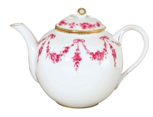 Bernardaud's Louis XV tea pot, which the King bought for the Fontainebleau dining room.