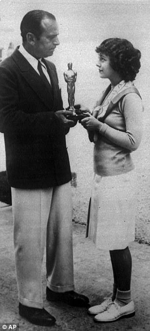 Janet Gaynor accepts her 1929 Oscar