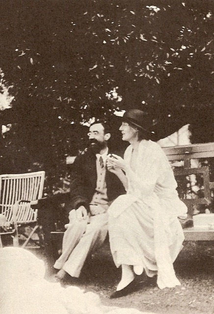 Lytton Strachey and Virginia Woolf at Garsington