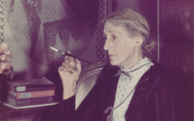 Virginia Woolf smoking