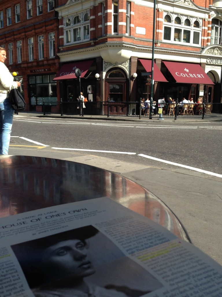 Reading about Virginia Woolf in Sloane Square.