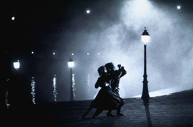 Sally Potter and Pablo Veron tango on the seine