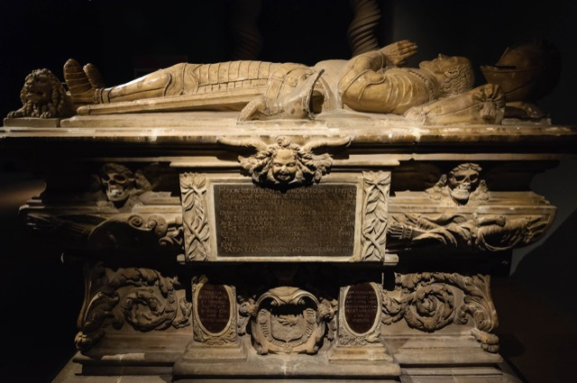 Michel de Montaigne tomb