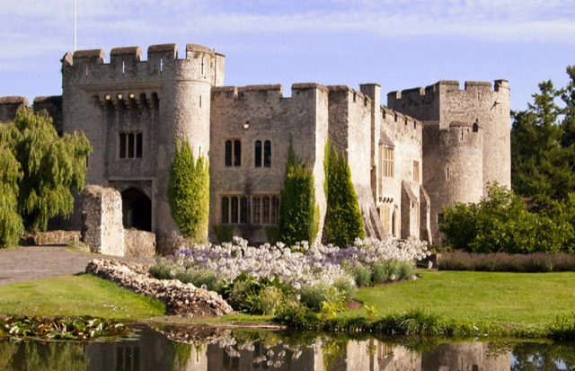 View of Allington Castle, Kent, in modern times. Images courtesy WikiMedia and Prioryman.
