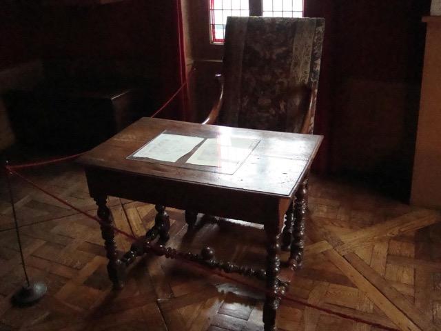 Balzac's desk and chair in La Maison de Balzac. Image © Saxon Henry.