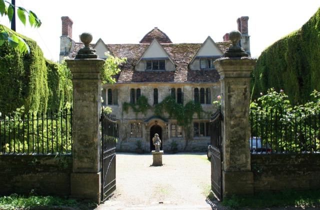 Garsington Manor as it is today. Image courtesy WikiMedia.