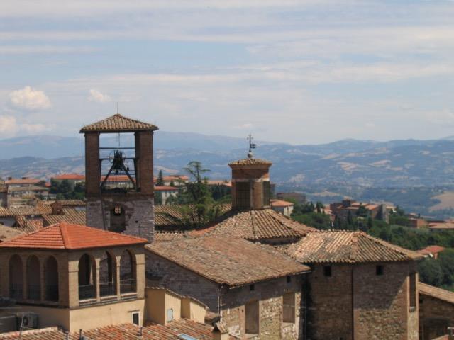 A view of hills around Perugia. Image courtesy WikiMedia.