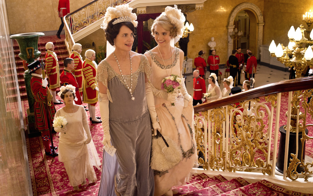 Cora (Elizabeth McGovern) and Lady Rose (Lily James) prepare to meet the royal family; image copyright Nick Briggs/Carnival Film & Television Limited 2013 for MASTERPIECE.
