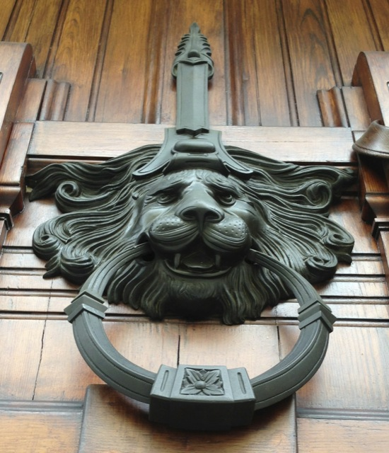 Saxon Henry photographed a Lion door knocker in Parma