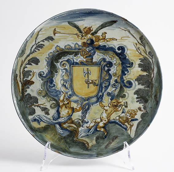 Beautiful hand-painted majolica plate