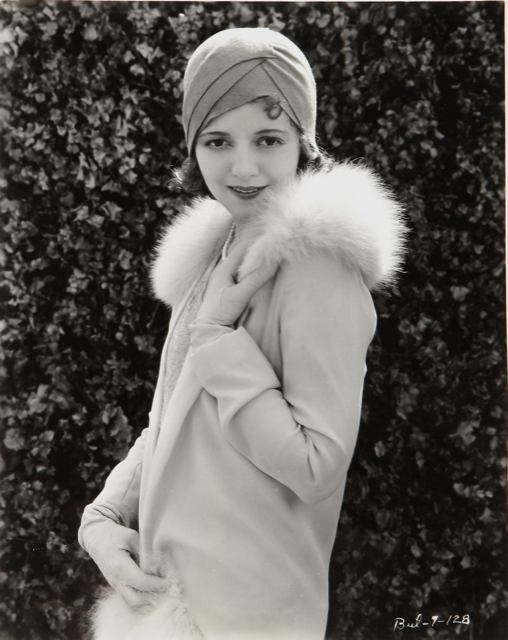 The elegant style of film star Janet Gaynor in a cloche