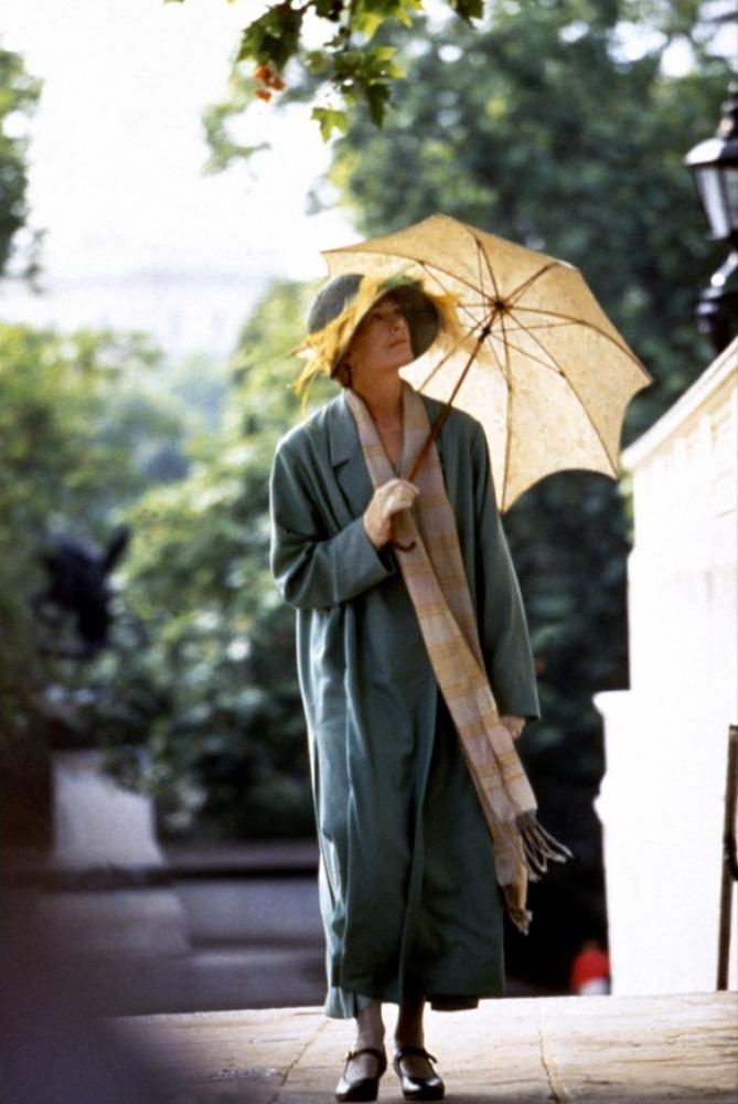 Vanessa Redgrave plays Clarissa Dalloway