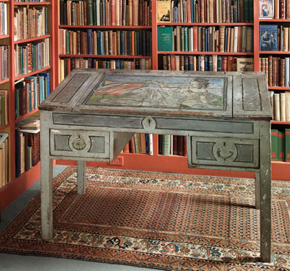 Virginia Woolf's writing desk