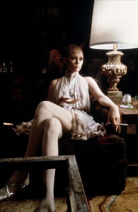 A mood altering Faye Dunaway