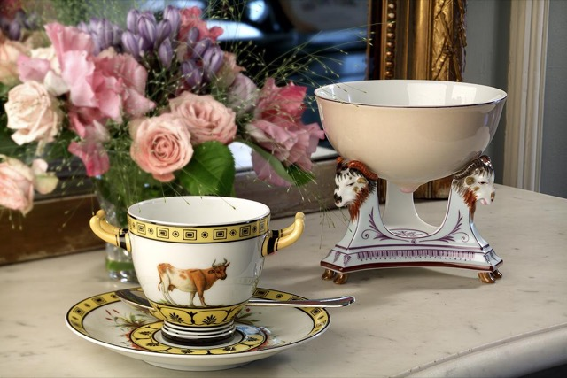Porcelain pieces in the Rambouillet Dairy Service